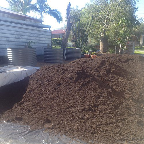 Budget organic soil bulk landscape supplies brisbane for Bulk organic soil